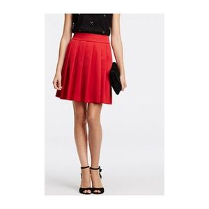 Ann Taylor Red Pleated Skirt With side pockets